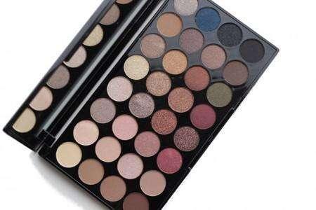 Makeup Revolution 32 Eyeshadow Palette FLAWLESS